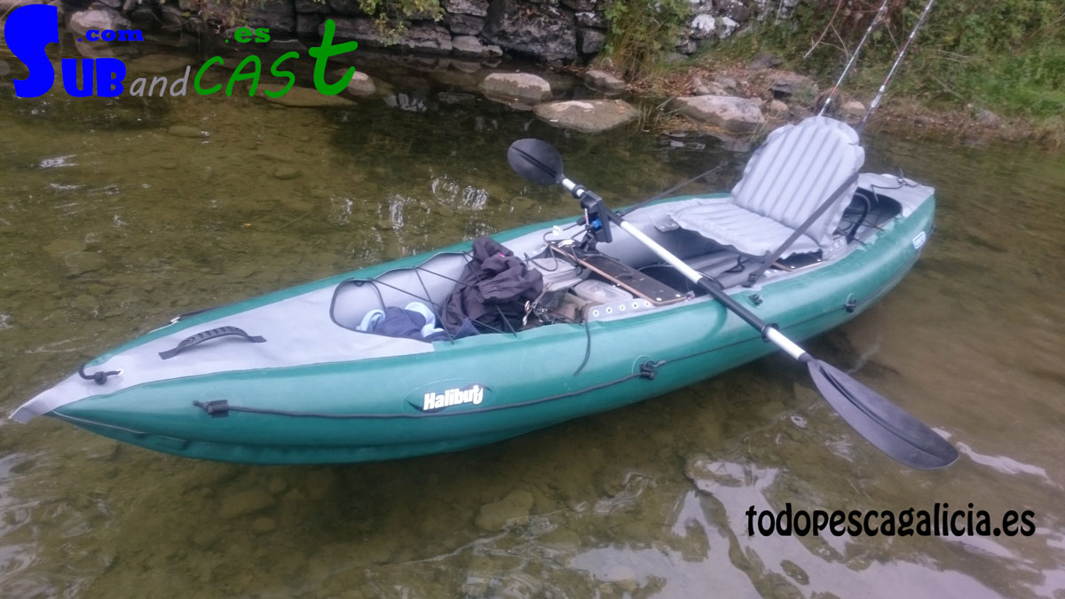 Inflatable fishing kayak gumotex halibut for Best inflatable fishing kayak