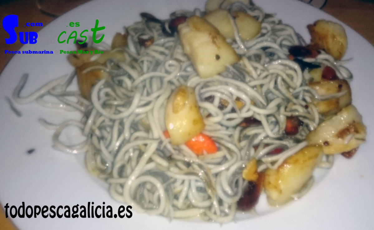Gulas with scallops